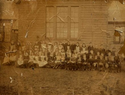 Foxton School Staff and Pupils in the late 1800s