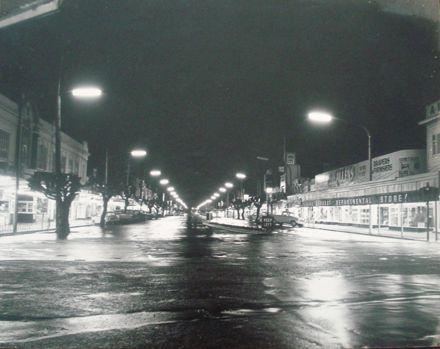 Oxford Street, Levin, at night