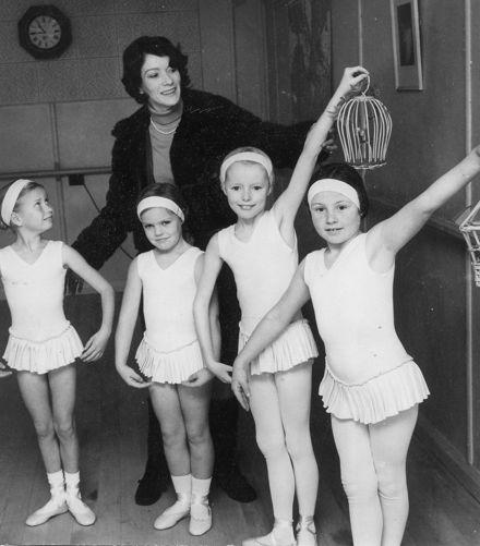 Royal Academy of Dancing Grade Exams Dancers, 1971