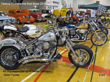 3193 An Impressive line up of Harley Davidson motor cycles