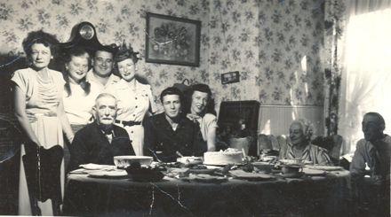 Mrs Lett' s fathers family in California, America.