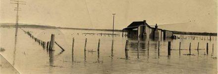 Manawatu River in Flood 1920