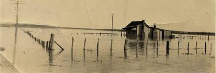 Manawatu River in Flood 1920