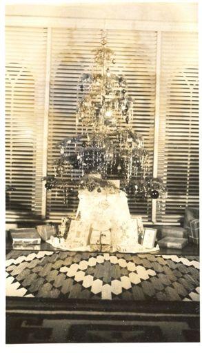 Xmas tree 1947