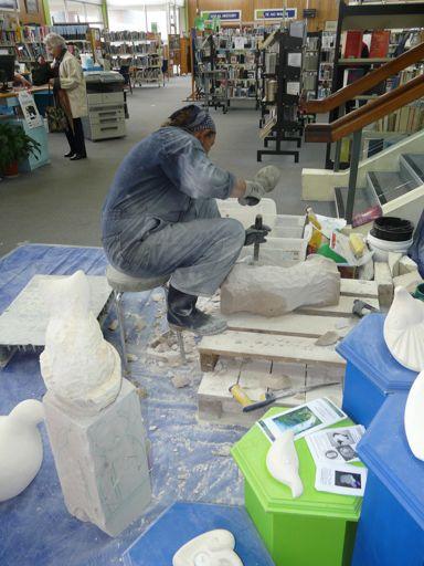 6 Chiselling sculpture