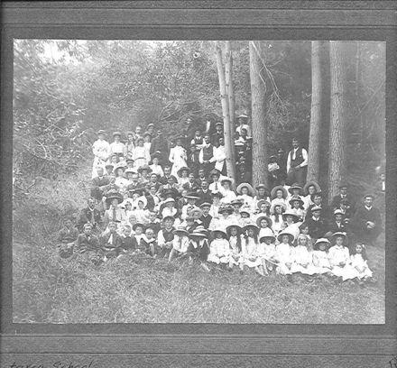 Koputaroa School group, picnic  c1910