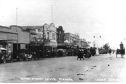 Oxford Street (west side), Levin