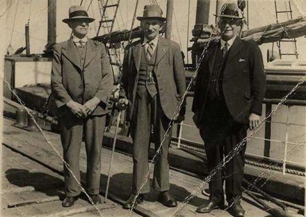 W. D. Bauckham, W. S. Maunder and W. H. Hart.