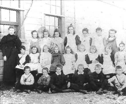 Class photo, Levin School, 1898
