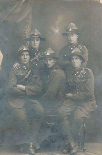 Wilfrid Mitchell & Gun Crew