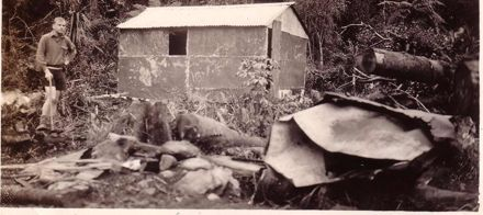 Rebuilding Ohau Hut, October 1936