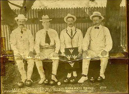 Levin Bowling Club Members - Winners of Manawatu Ferns