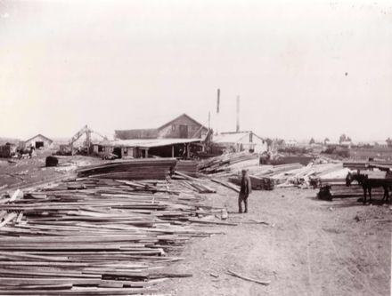 Bartholomew's sawmill, Weraroa, 1906