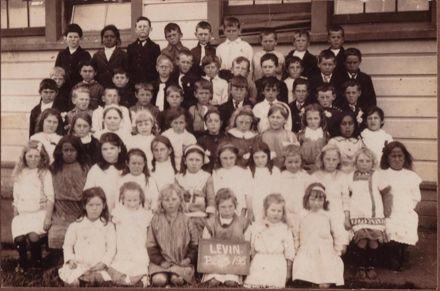 Levin School, 1915