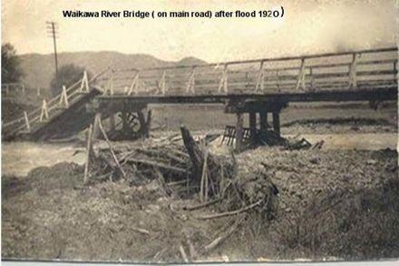 Waikawa River Bridge ( on main road) after flood 1920 )