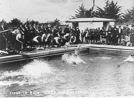 Swimming Pool, Levin