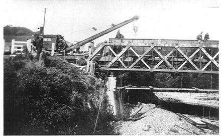 Removing old railway bridge, Waikanae