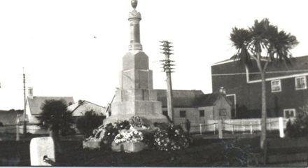 War Memorial, early 1920's