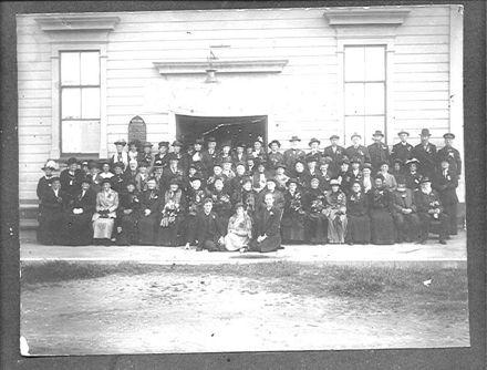 Methodist Church group (at Century Hall), 1917