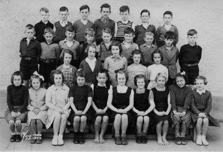 Foxton School, Class 17 (?), 1952