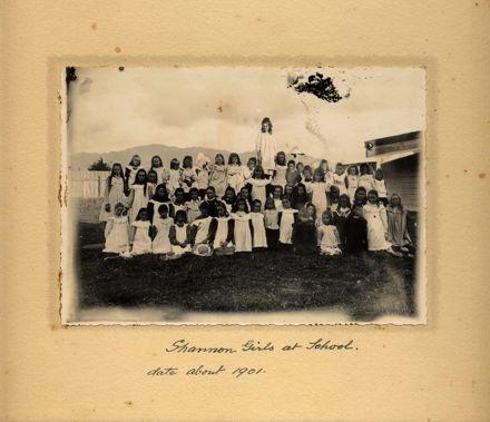 Shannon Girls at school, c.1901