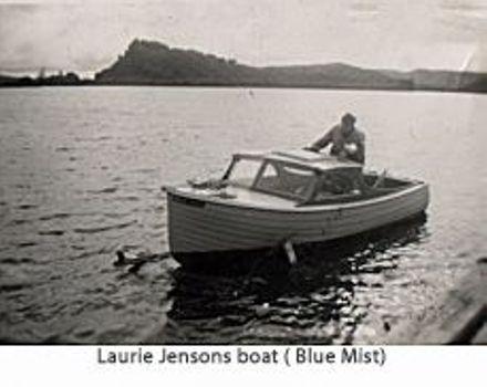 Laurie Jensons Boat ( Blue Mist )