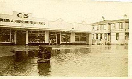 Flood at Otaki, 1931