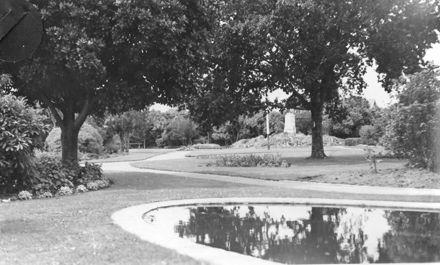 Levin Public Gardens & War Memorial