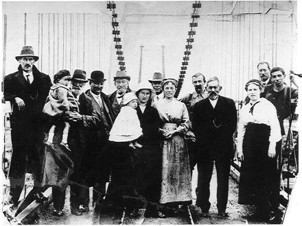 Opening of Rangitane Suspension Bridge, Jan. 1918