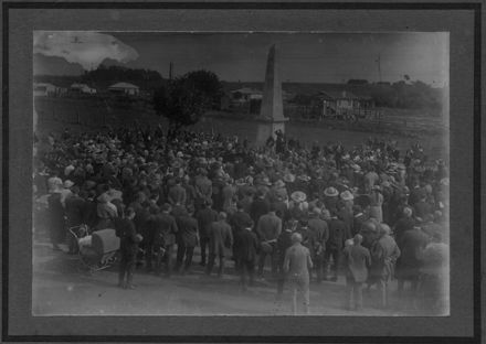 Unveiling of War Memorial, Shannon, 25 April 1924