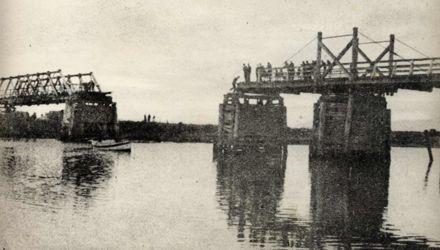 Old wooden bridge at Wirokino, Span Collapse, 1940's