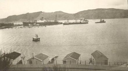 Evans Bay, (c.1950 ?)