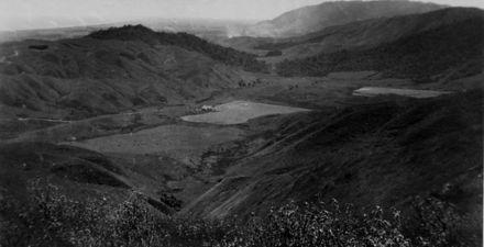 """Muaupoko Valley, 10/1/53"""