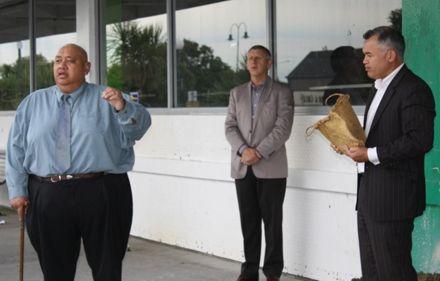 Kaumatua Kevin Hill, mayor Brendan Duffy and Muaupoko CEO Steve Hirini holding the Kete containing Tihi Pukematawai