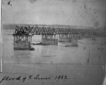 Oroua River flood - 1882 : 70-6