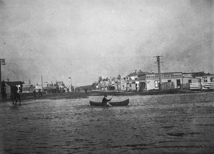 Feilding Flood - 1907 : 81-12