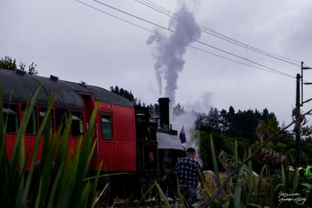 Train leaving from Halcombe Anzac