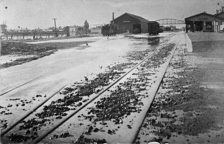 Feilding flood - 1907 : 75-3