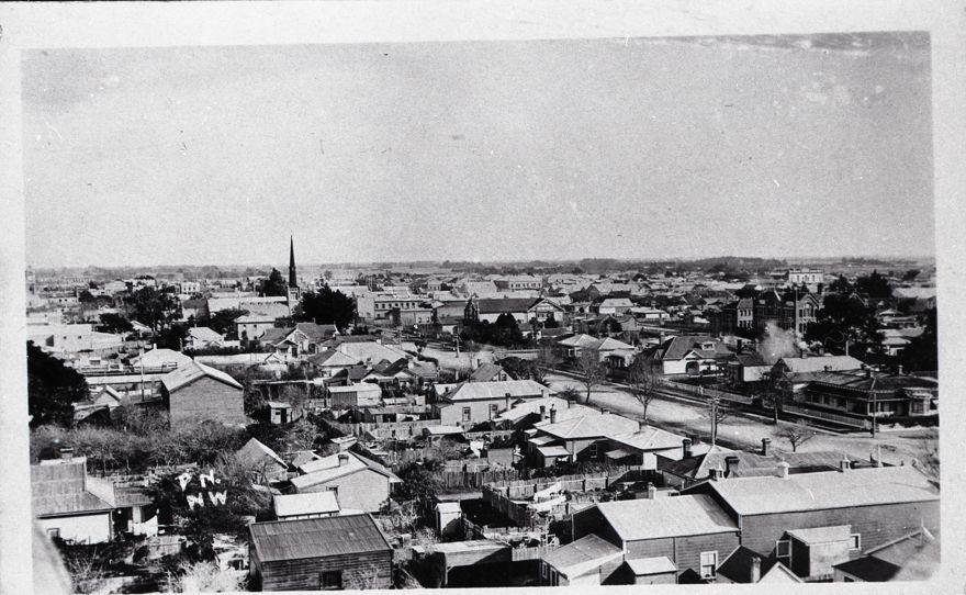 View of Broadway Avenue, circa 1920