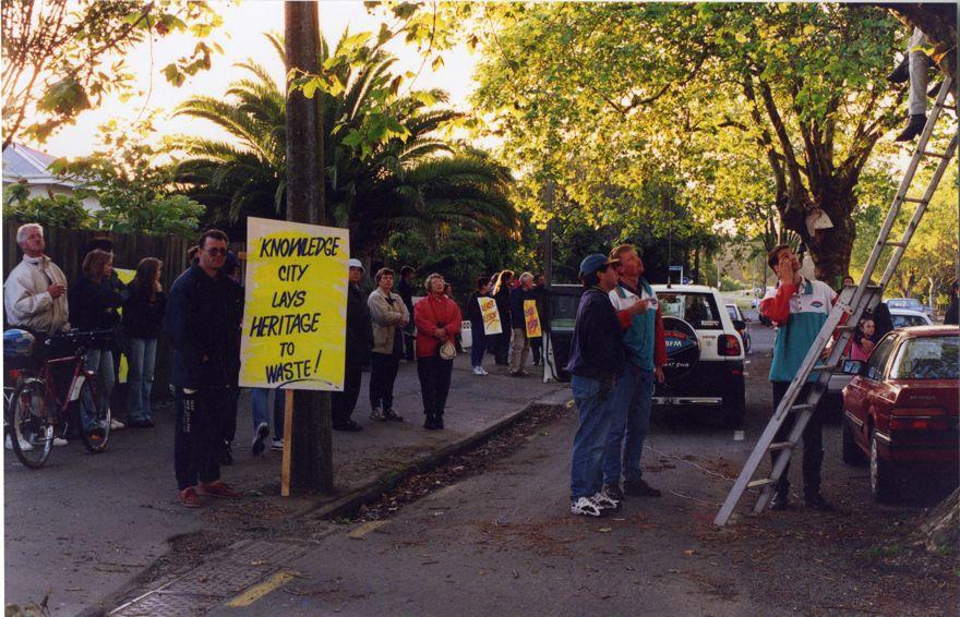 Avenue Action protestors