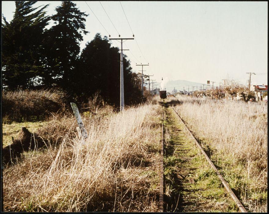 Railway tracks, Pioneer Highway