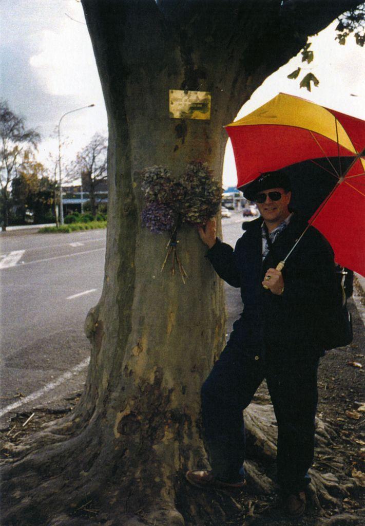 Avenue Action - Graeme Liggins with tree plaque